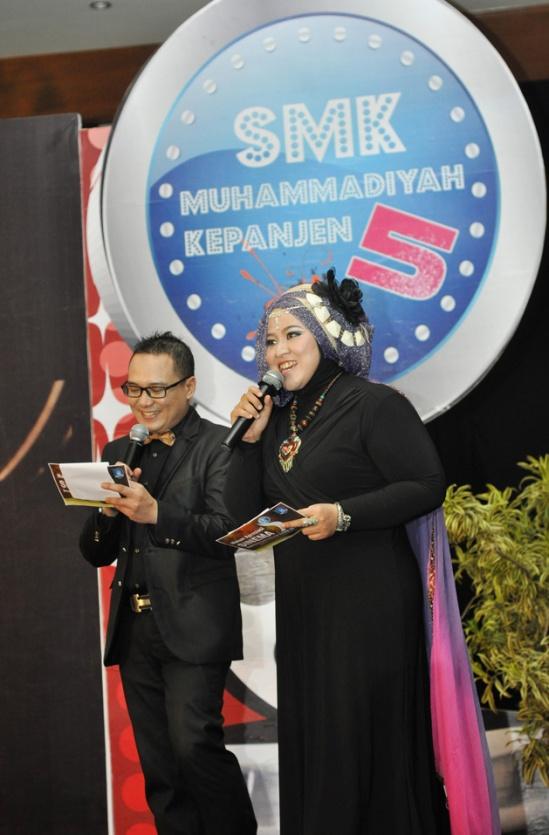 Dewi Yuhana_MC_Malang